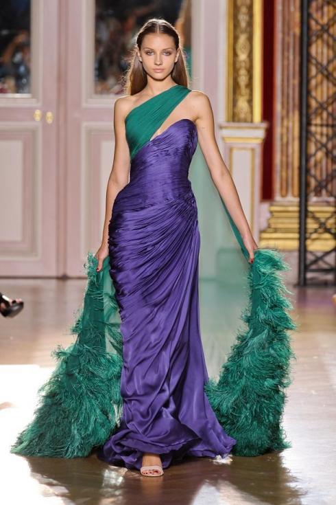 verde esmeralda e roxo