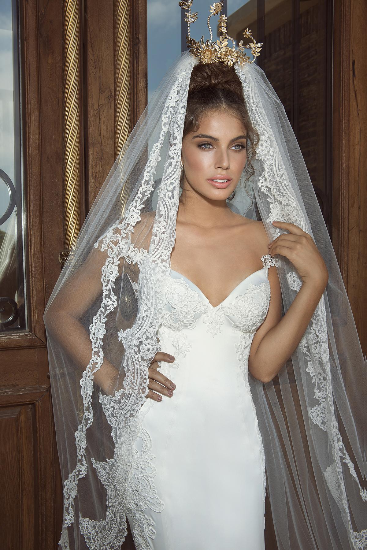 Fiona + iris veil