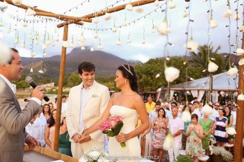 Casamento-na-praia-vila-das-velas-ilhabela-fotografa-de-casamento-thayane-e-diego07