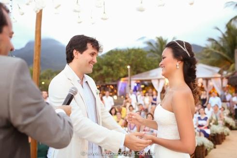 Casamento-na-praia-vila-das-velas-ilhabela-fotografa-de-casamento-thayane-e-diego12