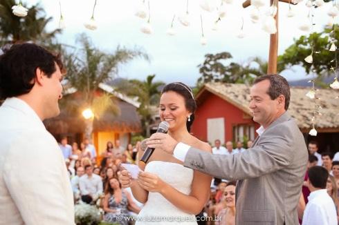 Casamento-na-praia-vila-das-velas-ilhabela-fotografa-de-casamento-thayane-e-diego13