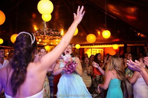 Casamento-na-praia-vila-das-velas-ilhabela-fotografa-de-casamento-thayane-e-diego40